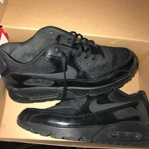Metallic Black Air Max 90